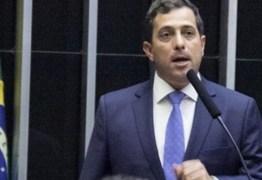 'BARCO À DERIVA': Gervásio Maia chama pronunciamento de Bolsonaro de 'irresponsável' e 'inconsequente'