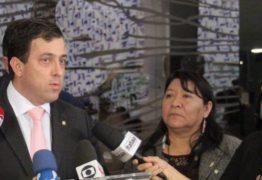 Oposição protocola pedido de improbidade contra ministro da Educação