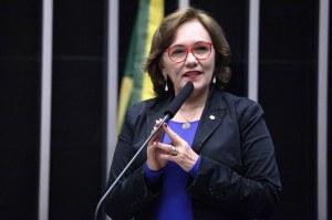 imagem materia 1 300x199 - Collor se alia ao PT em bloco no Senado após trocar afagos com Bolsonaro