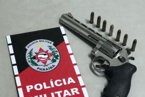 img 20190211 wa0000 300x200 - Homem é preso suspeito de posse ilegal de armas na Paraíba