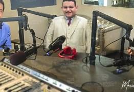 '360 GRAUS': Fabiano Gomes anuncia estreia de programa de rádio na faixa das 12 horas – VEJA VÍDEO