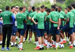 Com salários atrasados, jogadores do Fluminense se recusam a treinar
