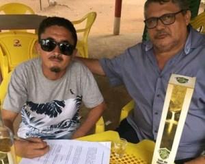 """nema 300x239 - Após se tornar o """"bebum"""" mais conhecido da internet, Nema Brasil assina contrato e vira gatoro propaganda de cachaça - VEJA VÍDEO"""