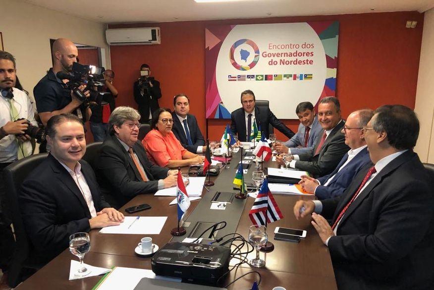 reuniao governadores nordeste em brasilia - ATRAVÉS DE CONSÓRCIO: Imprensa nacional diz que governadores nordestinos querem médicos cubanos de volta aos estados