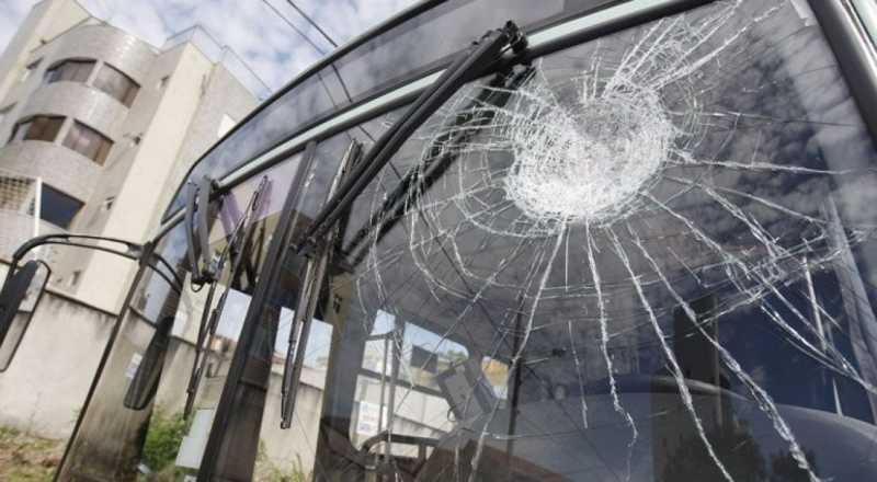 t 8 - FROTA REDUZIDA: Sintur-JP confirma depredação de 23 ônibus após bloco na capital