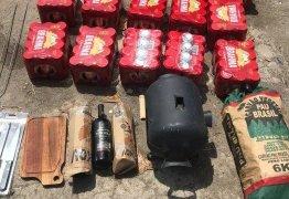 Policial é presa ao tentar entrar com produtos para churrasco no batalhão onde está preso Pezão – VEJA VÍDEO