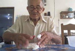 'Resolvi tentar até funcionar', diz idoso que teve o vídeo viralizado após conseguir fazer 'slime'