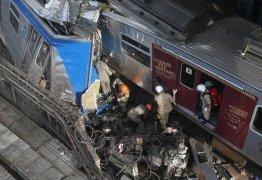 Colisão entre trens deixa sete feridos e maquinista fica preso em ferragens – VEJA VÍDEO