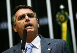 Bolsonaro participa de assinaturas de contratos do setor elétrico