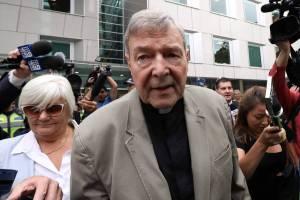 15524374515c8850cb24c3b 1552437451 3x2 lg 300x200 - ABUSO SEXUAL: Ex-braço direito do papa, cardeal é condenado a 6 anos de prisão por pedofilia