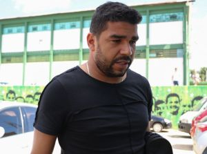 1bf6c05f463068dba373bd383ae33a51 300x223 - Goleiro da Chapecoense é acusado de agredir ex-noiva em Minas Gerais
