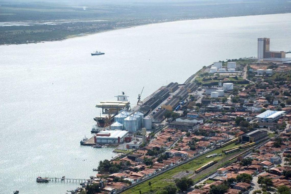 20130118111417 0 - Governo arrecada R$ 219,5 milhões na concessão de áreas portuárias