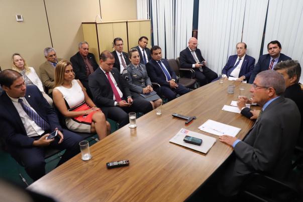 6036bd6b 8795 41cf a823 973c7f7728d8 300x200 - WELLIGTON ROBERTO ASSUME LIDERANÇA DO PR: 'o partido não está na base do governo Bolsonaro'