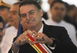 Bolsonaro tenta se fazer de vítima ao apelar por clamor popular, avaliam líderes sobre carta-renúncia