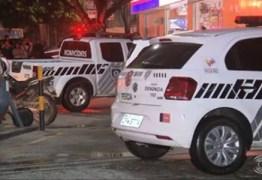 COM SINAIS DE ESPANCAMENTO: flanelinha é encontrado morto em escadaria embaixo de shopping na capital