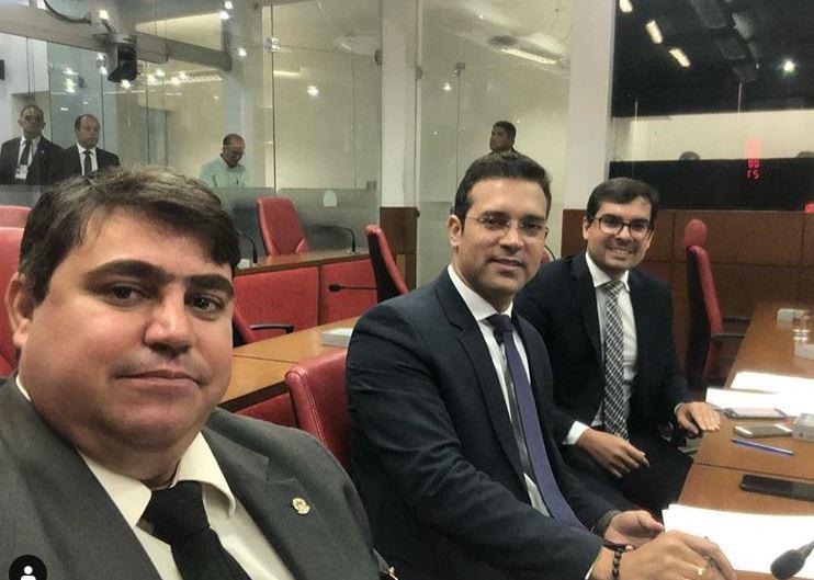 DINHO - NINJA NA REDE: vereador Dinho mostra disposição para o trabalho, ao lado de colegas, na CMJP