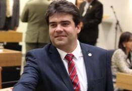 Eduardo carneiro participa de lançamento da Frente Parlamentar de combate à corrupção