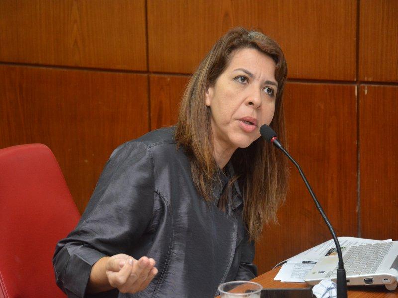 Eliza Virginia - CURANDO DEPRESSÃO NA BASE DO GRITO: Conselho de Psicologia emite nota de repúdio contra vereadora Eliza Virgínia