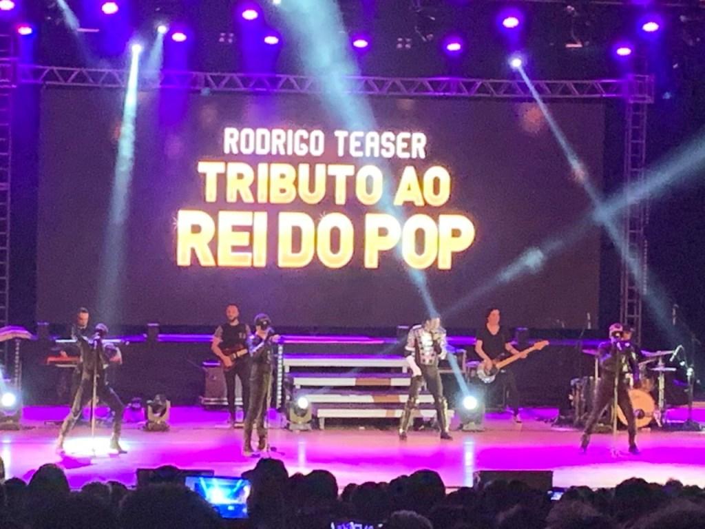 IMG 20190331 WA0039 1024x768 - 'TRIBUTO AO REI DO POP': Show interpretado por Rodrigo Teaser lota teatro em JP - VEJA VÍDEOS