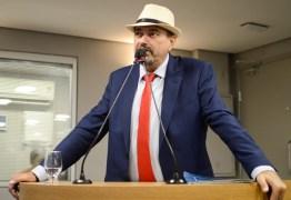 Jeová Campos propõe criação da Medalha Padre Rolim para homenagear destaques na educação