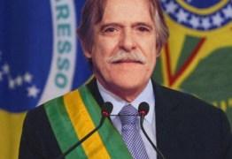 José de Abreu promoverá seu autoimpeachment no Dia da Mentira