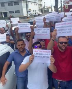 Protestos UBER 244x300 - Motorista de aplicativo que matou suspeito de suposto assalto é solto após audiência de custódia; VEJA VÍDEO