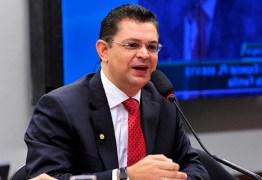 Aliado de Malafaia, Sóstenes Cavalcante formaliza candidatura à presidência da bancada evangélica