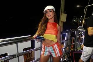 agn1504626152 - Sem Neymar e Gian, Marquezine e Giovanna dançam com Anitta