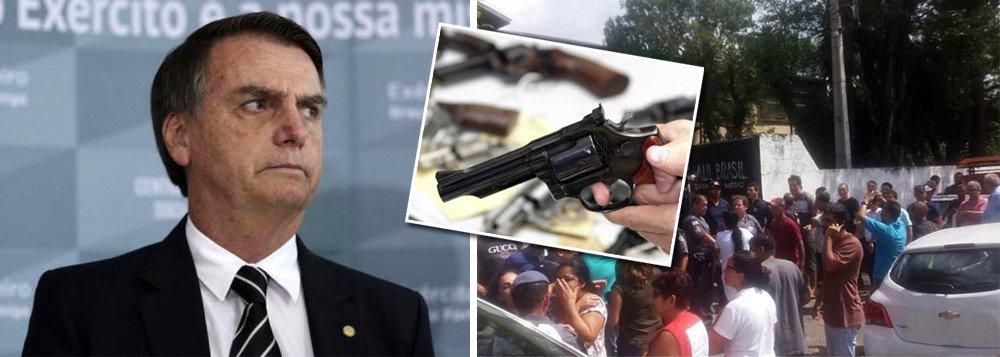 bolsonaro armas de fogo - Bolsonaro fala de flexibilizar porte de arma no dia em que dez pessoas morrem em atentado dentro de escola