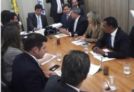 Deputada faz apelo a ministro da Saúde para instalação de UTI e Centro de hemodiálise no Cariri paraibano