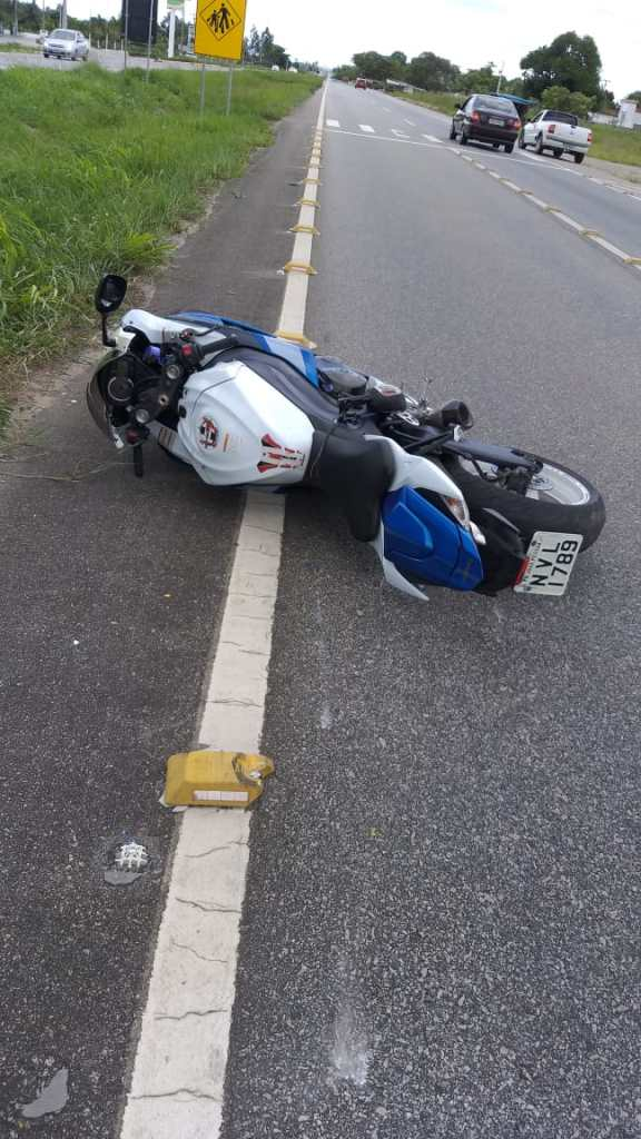 e8a59933 9114 4a4a a9d2 23cd0e79c07c 576x1024 - 'VELOCIDADE INCOMPATÍVEL': motociclista perde controle da moto e morre em acidente, na BR-230