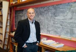 Físico e astrônomo brasileiro Marcelo Gleiser é o vencedor do Prêmio Templeton 2019 – VEJA VÍDEO