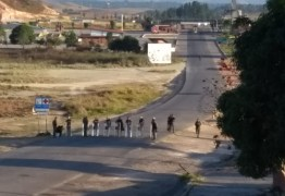 TENSÃO: Venezuela mantém bloqueio na fronteira com o Brasil pelo 14º dia