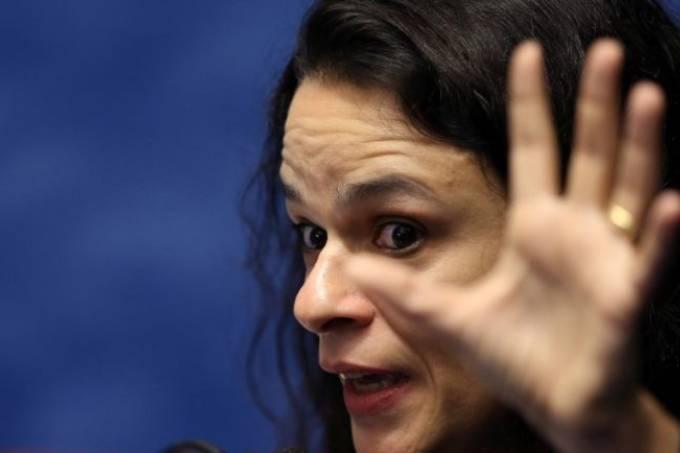 Janaina Paschoal se diz contra manifestação de apoio a Bolsonaro: 'Ele precisa parar de fazer drama e começar a trabalhar'
