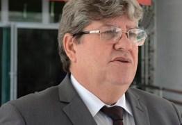 ENCONTRO: João Azevêdo recebe deputados para café da manhã no Palácio da Redenção