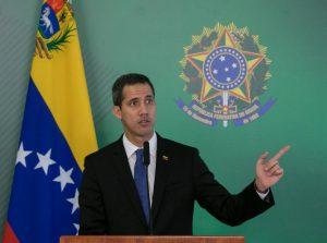 juan guaido brasil 1 868x644 300x223 - Guaidó pedirá ao Parlamento declaração de 'estado de alerta' na Venezuela