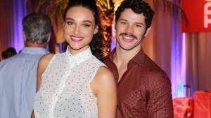 naom 59d523ea62fea 300x169 - José Loreto e Débora Nascimento são vistos juntos em pousada no Rio