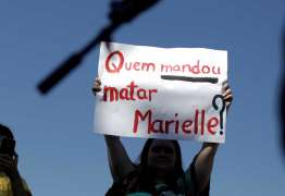 Acusado de matar Marielle teria jogado armas no mar; Marinha faz buscas