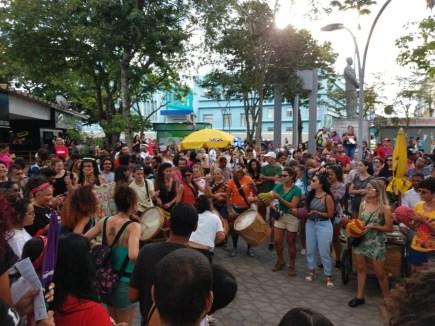 protesto bloco das mulheres 300x225 - Atos contra a violência e pelos direitos das mulheres acontecem em João Pessoa e Campina Grande