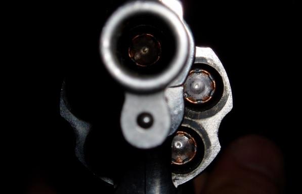 revolver - Jovem morre baleado com tiro acidental em Alagoa Nova