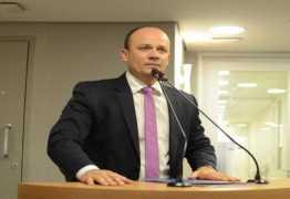 QUANDO APERTA NO CALO: Deputado do PSL se diz contra a Reforma da Previdência