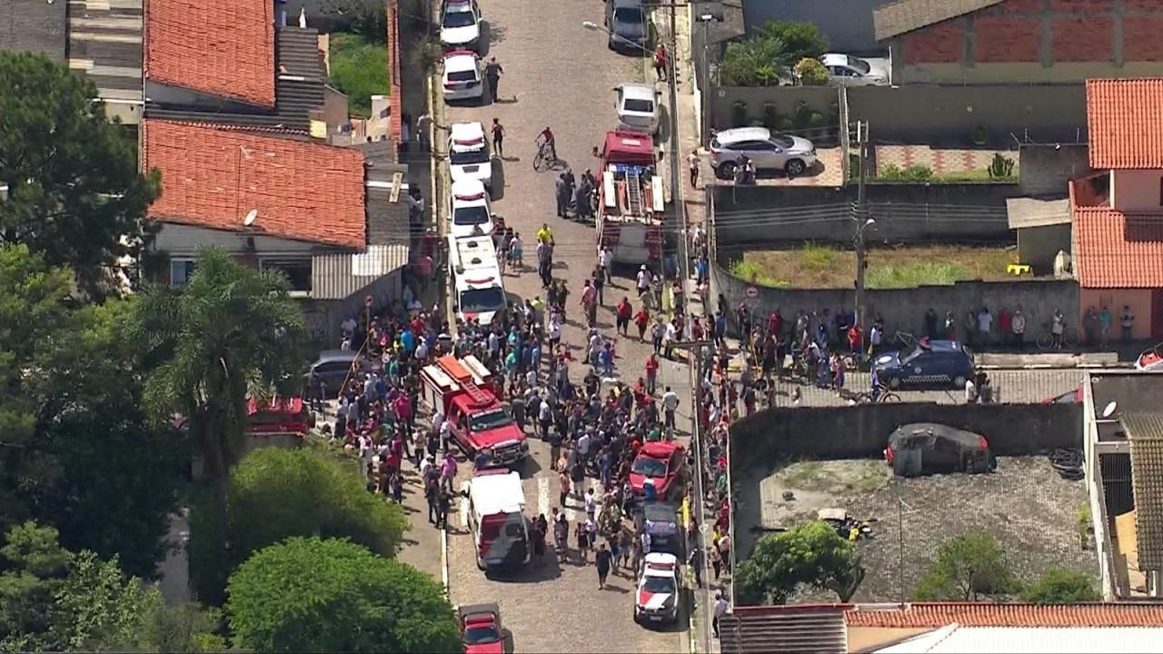 tiroteio escola suzano - Adolescentes invadem escola, matam sete alunos e um funcionário, e cometem suicídio - VEJA VÍDEO