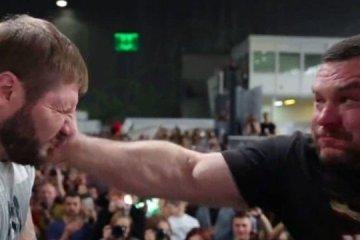 Russos participam de campeonato de tapas na rosto – VEJA VÍDEO