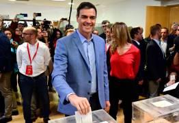 Pesquisas apontam vitória de partido socialista e encolhimento da bancada conservadora no parlamento espanhol