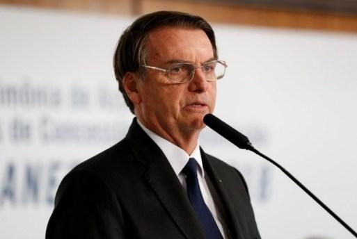 1 32525584137 e966cf5286 o 10443287 300x201 - Bolsonaro: 'Desculpem as caneladas, não nasci para ser presidente, e sim militar'