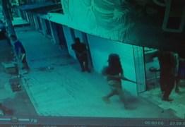 Oito bandidos armados com fuzis assaltam padaria – VEJA VÍDEO