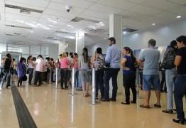 Procon-JP emite 16 autuações em agências bancárias para cumprimento da Lei das Filas