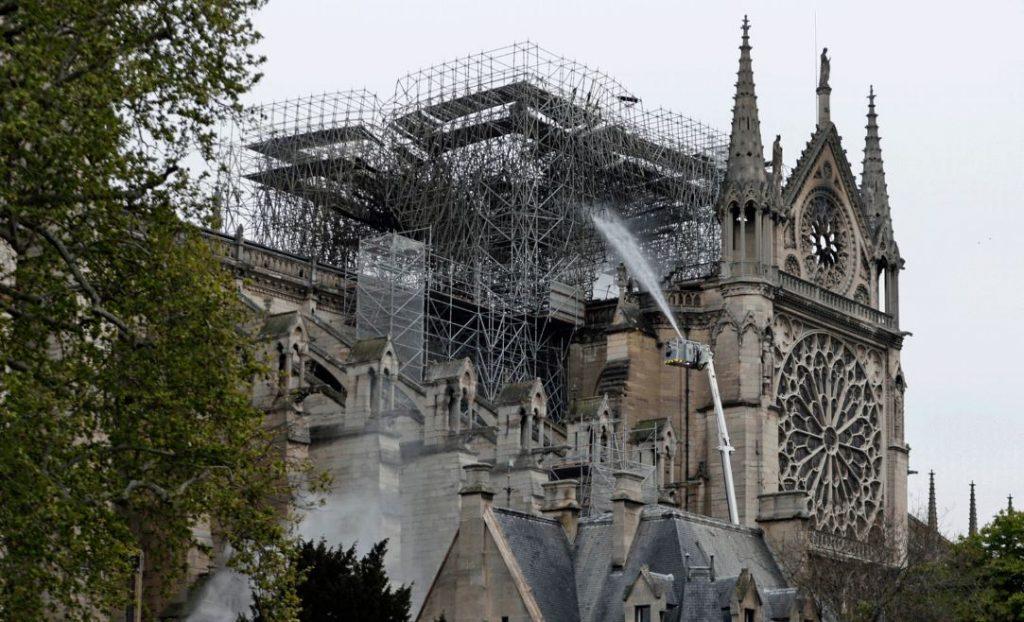 Capturarç 1024x622 - R$ 2 ,87 BILHÕES: Bilionários se mobilizam para reconstruir Notre-Dame