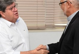 João Azevêdo recebe visita do arcebispo e discute parcerias com Arquidiocese da Paraíba