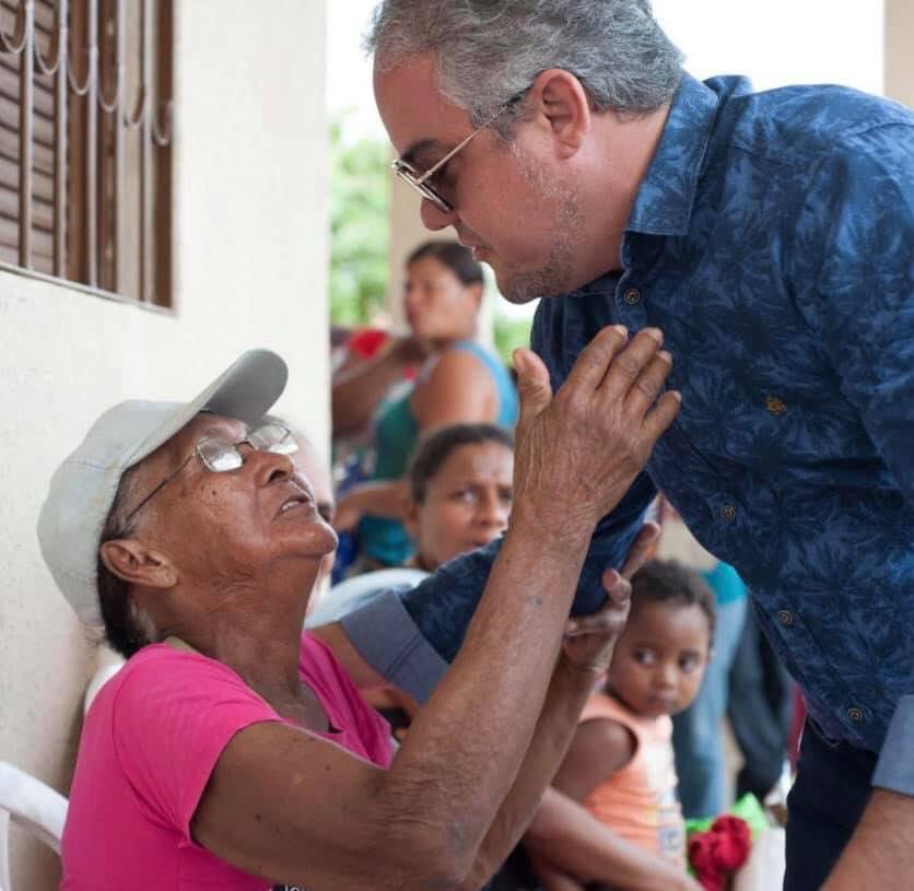 Prefeitura de Alhandra entrega 500 cartões do maior programa municipal de transferência de renda da Paraíba